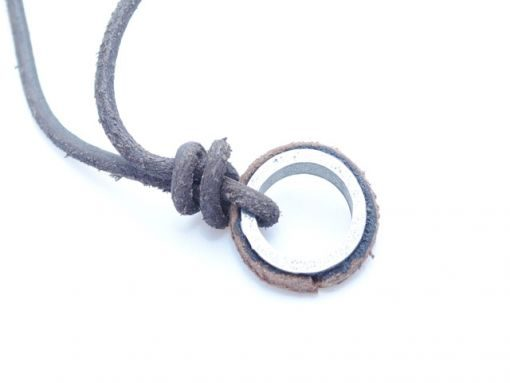 mens_necklace_circle_3