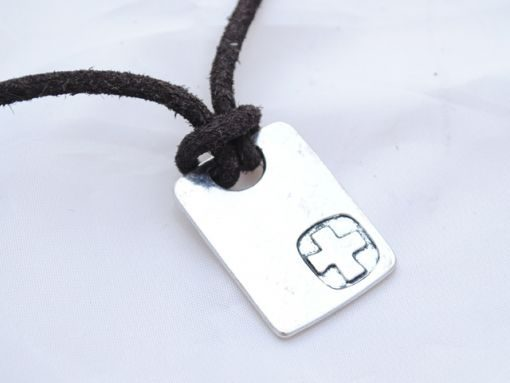 mens_necklace_cross_1